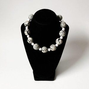 Wooden Black & White Crackle Bead Choker Necklace